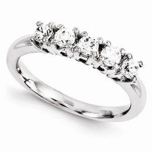 14Kw Diamond Band     Qgwm252-4Aaa